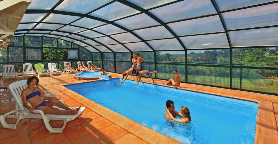 Covered pool | Combas : Village de Gîtes en Dordogne